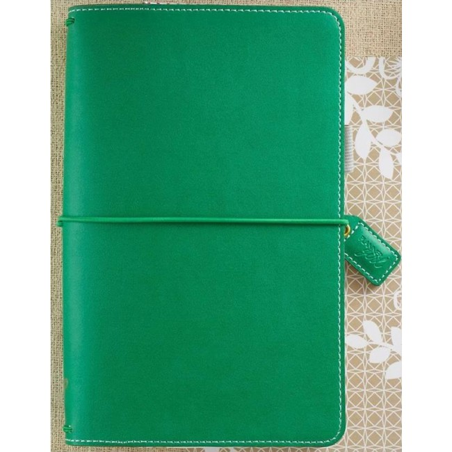 Midori Color Crush Travelers' Planner   Summer Green